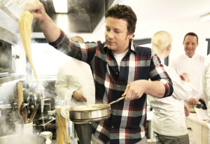Jamie Oliver cooking - Wikimedia Commons