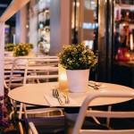Fleurets leisure report image – flowers on a restaurant table