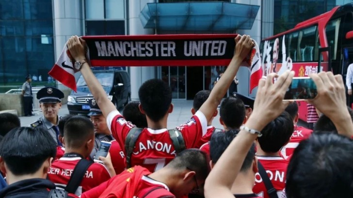 Manchester United sells experience to China with 'fan centre' deals