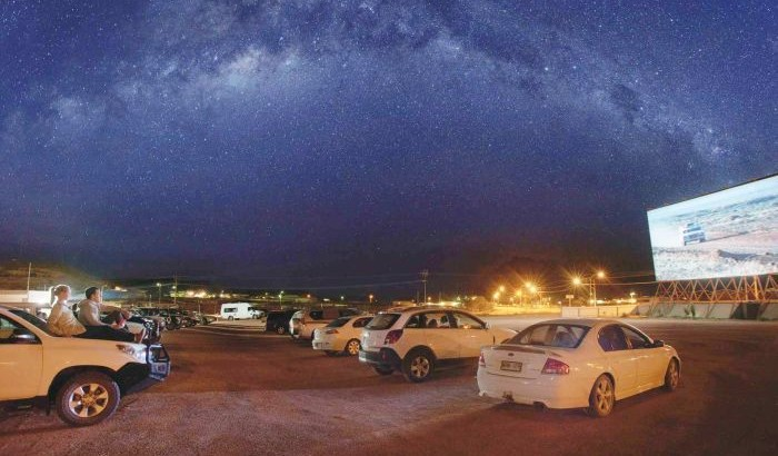 Coober Pedy Drive-In: an explosive cinema experience!