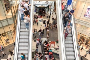 retail customers in shopping centre – photo from dreamstime.com