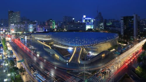 Dongdaemun Design Plaza, Seoul. Photo on Wikimedia Commons