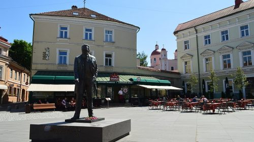 Statue in Vilnius, Lithuania. Image: Wikimedia Commons