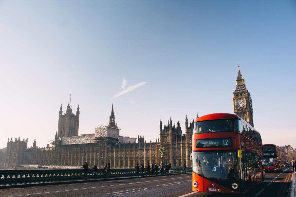 London tourism. Photo by Aron Van de Pol on Unsplash