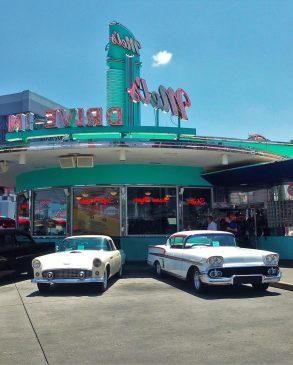 Nostalgic retro cinema, Universal Studios, Florida. Photo: Pixabay