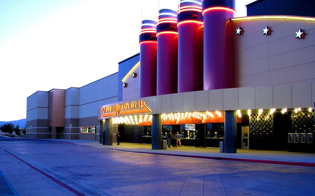 Cinemark cinema by Rennett Stowe on Wikimedia