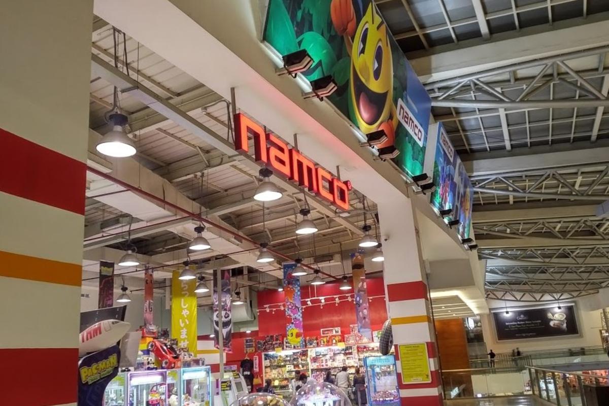 Indoor amusement arcade. Photo by KWP