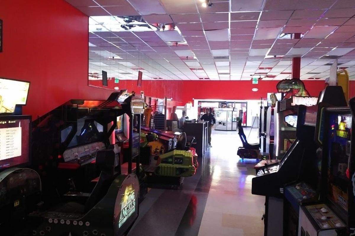The Stinger Report 22_3_21 arcade interior