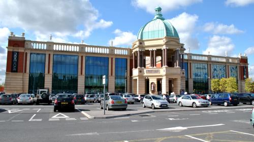 Barton Square, Trafford Centre - Seth Whales via Wikimedia Commons