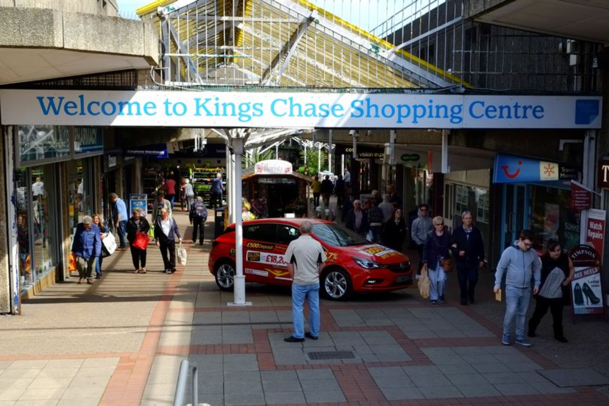 Kings Chase Shopping Centre, Kingswood