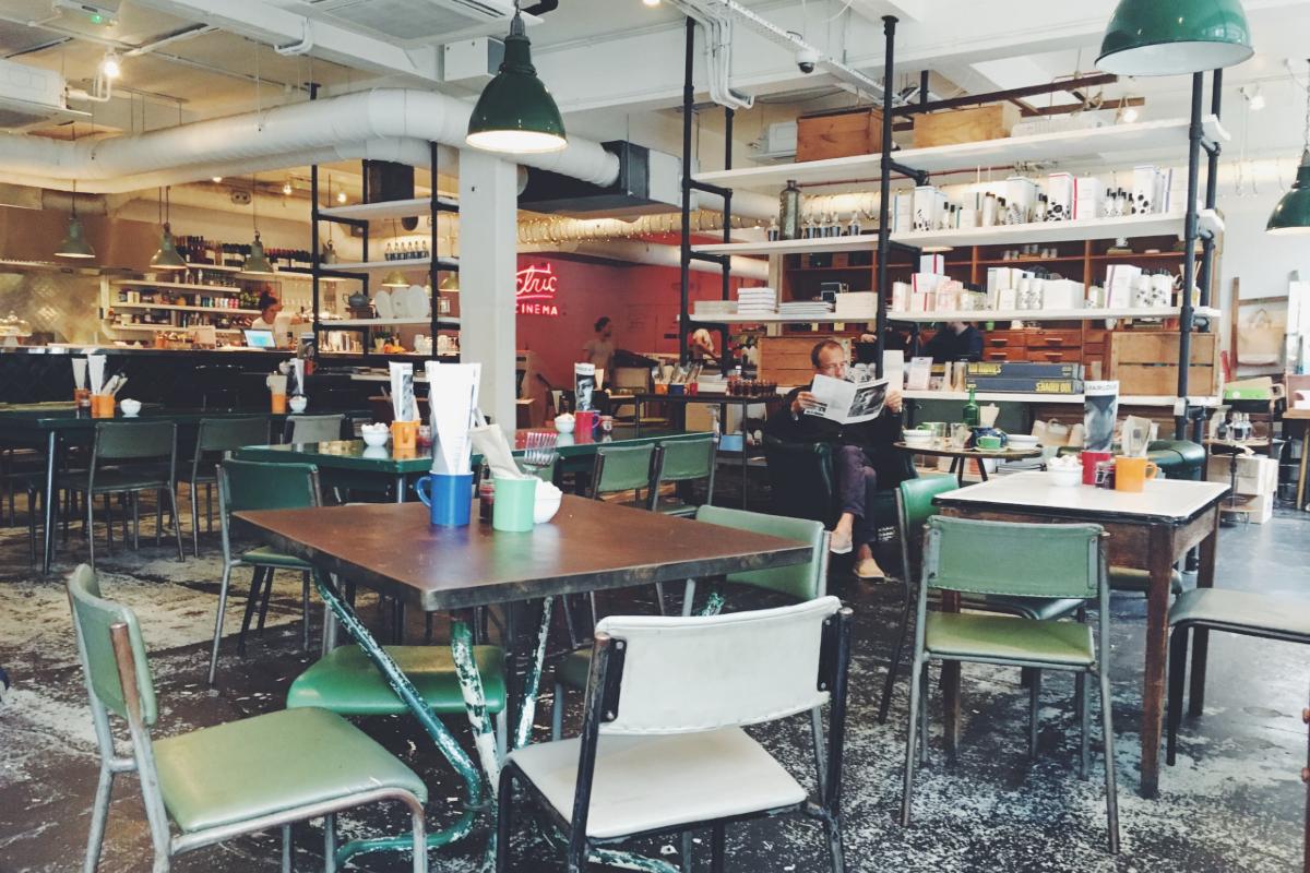 UK restaurant. Photo by Robert Bye on Unsplash
